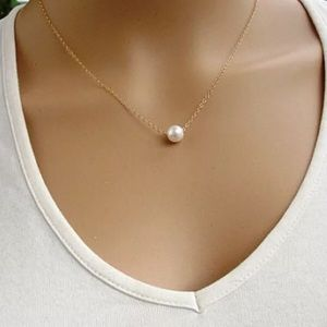 Jewelry - 🆕 Minimalist Pearl Necklace